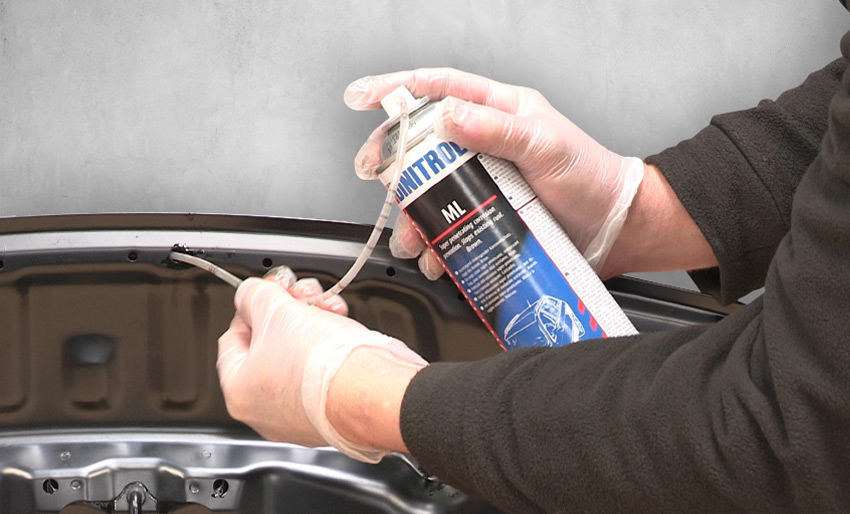 cavity wax injection aerosol dinitrol ml with extension hose for vehicle box sections cavities doors sills exterior joints frame members tiltrak dinol uk