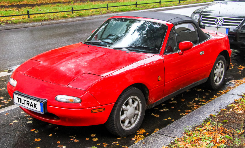 mazda eunos roadster mx5 cars for sale tiltrak marketplace rust prevention dinitrol underbody cavity wax injection